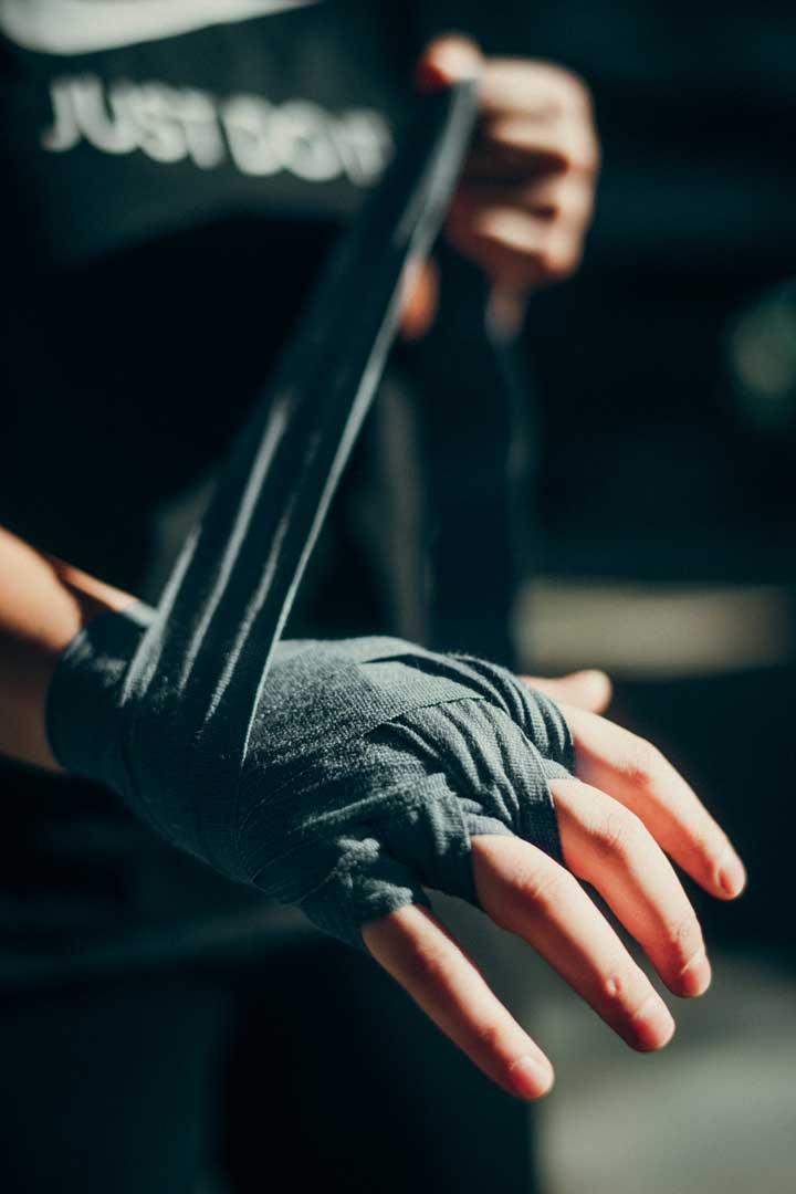 Juliane-Boxing-handschlaufen-detail