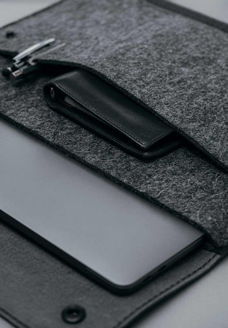 Werktat-Laptoptaschen-detail-grauundschwarz
