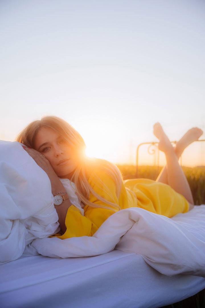 laura-pyjama-luelorablue-gelb