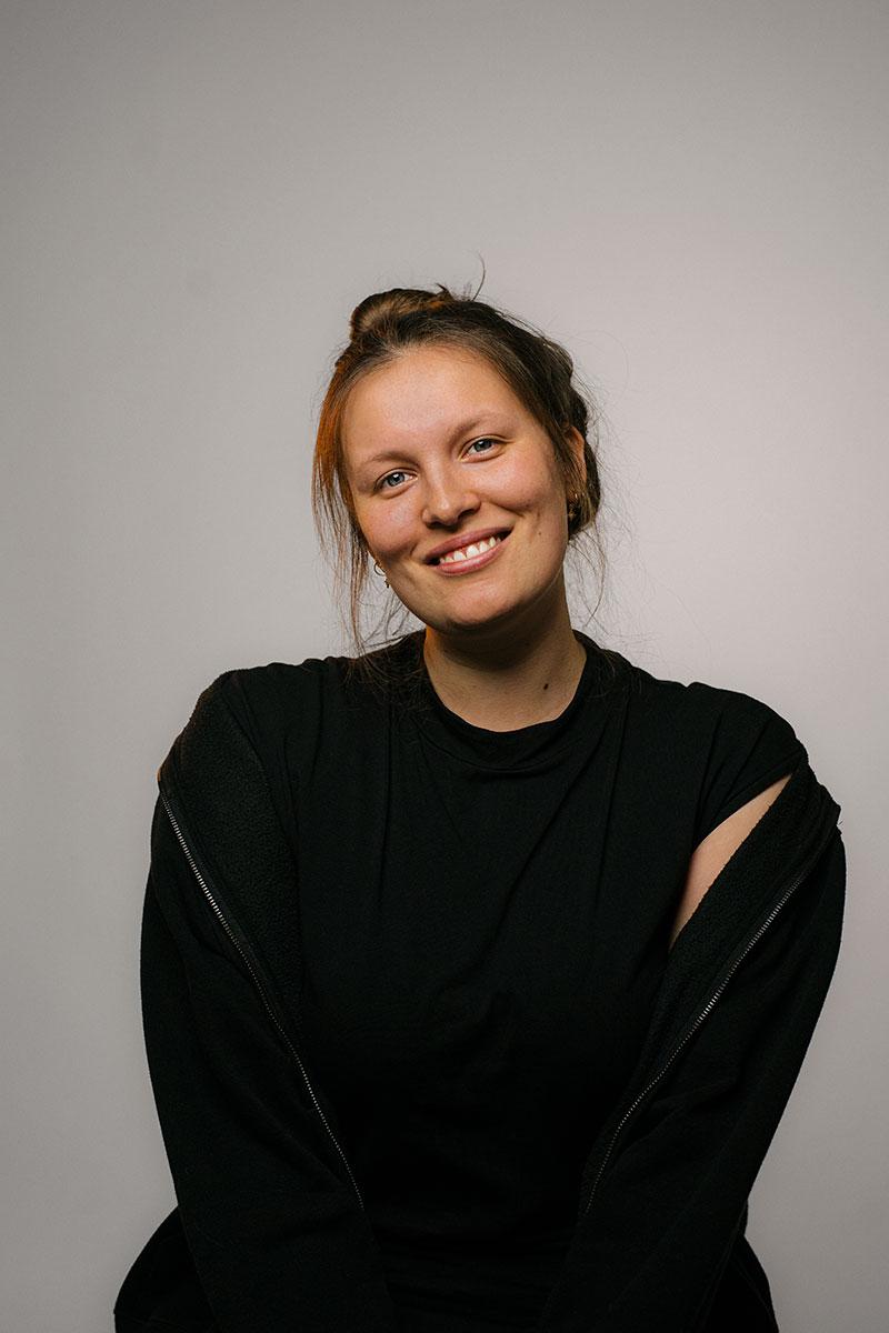 Portrait von Sara im Studio